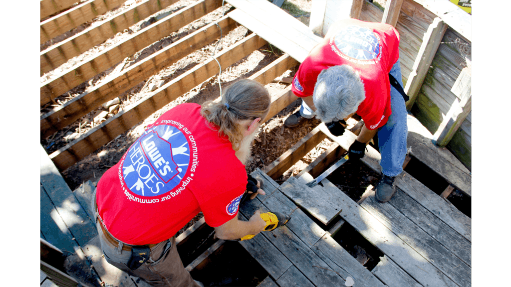 Lowe's Champions Underserved Communities with Volunteers and Nearly $8 Million to Keep America Beautiful