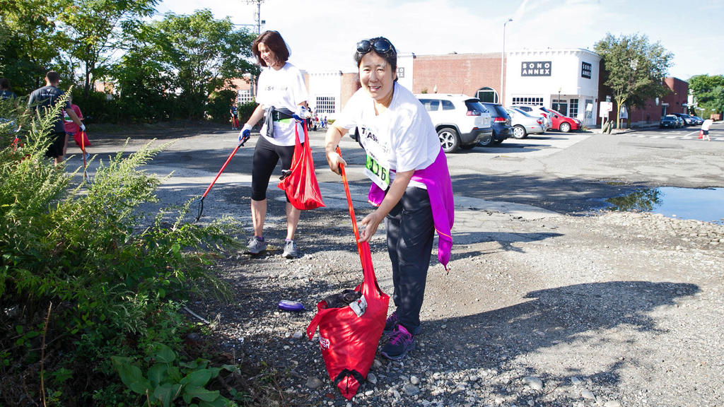 More than 200 People 'Plog' through Streets of Norwalk in Inaugural Keep America Beautiful Trash Dash