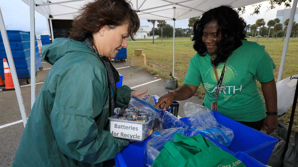 17 Ways to Make a Difference this America Recycles Day
