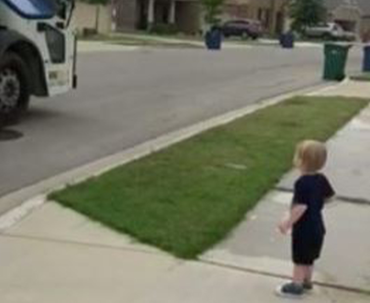 TX Boy and Waste Collector Give Back to Each Other