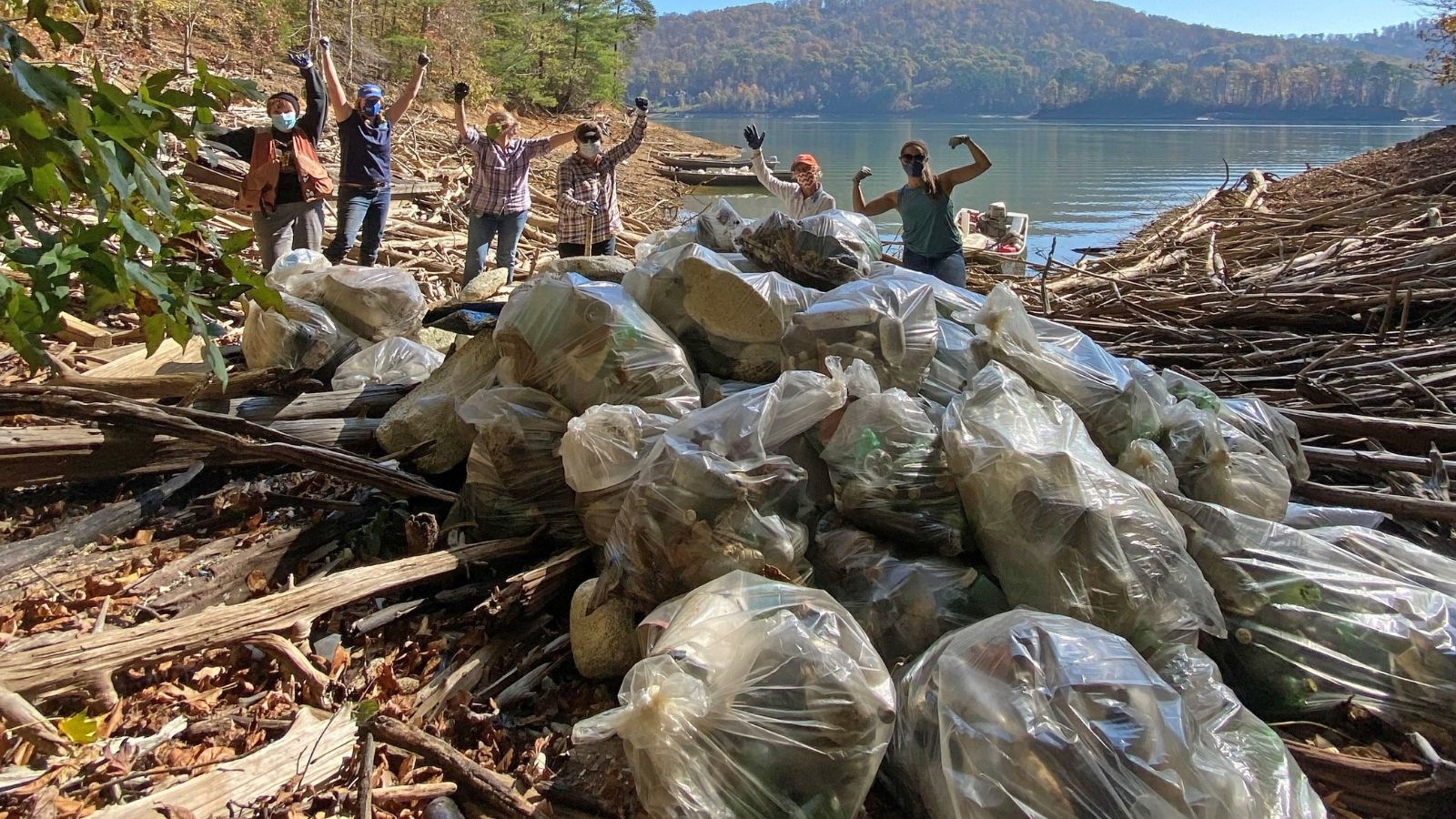 Volunteers Remove 35,500 lbs. of Trash at 8 River Cleanups During 'Keep the Tennessee River Watershed Beautiful Month'